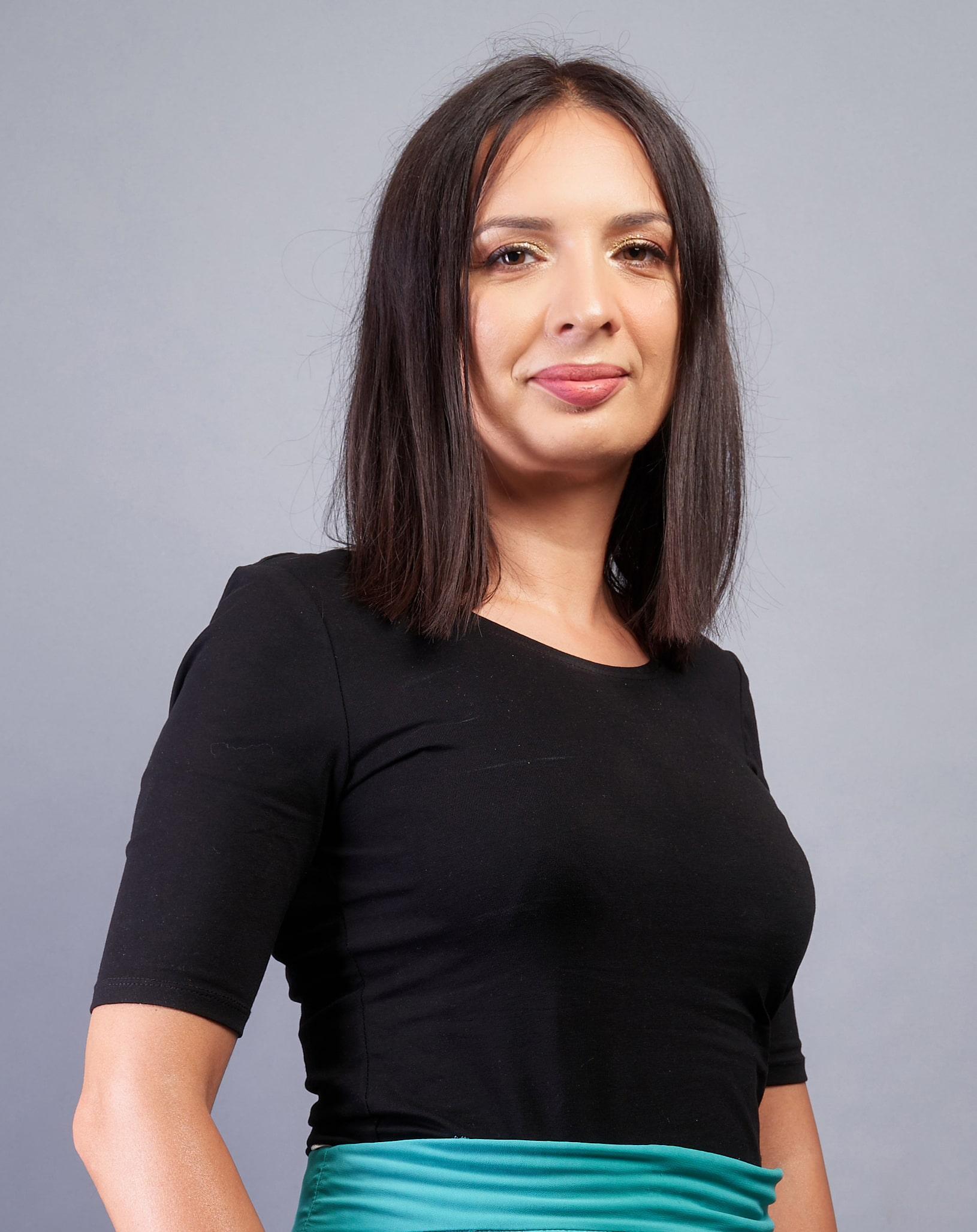Oana Manuela Stefanescu - despre